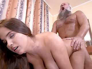Curvy girl cunt filled by grandpa cock near his living room