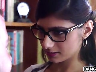 BANGBROS - Mia Khalifa is Adjacent to and Sexier Than Ever! Check It Out!