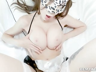 Teen сamwhore gets fucked by her lover above her bed