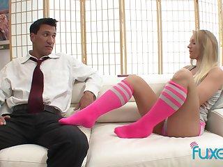 Ill-behaved teen girl Cali Carter seduces her horny Latin boyfriend
