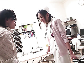 Aroused doctor is busy with respect to fingering wet pussy of kinky punctiliousness Mika Kojima