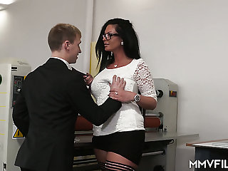 Strict tall supervisor Vivian Skylight gets the brush MILFie cunt fucked well